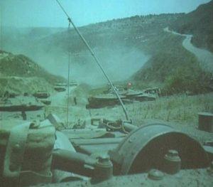 טנקי מרכבה סימן 4 במעבר הסלוקי