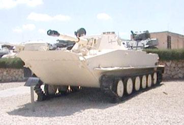 טנק אמפיבי PT76