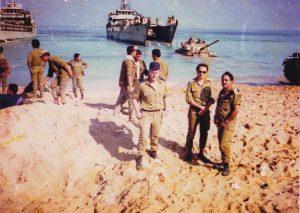 נחיתה בחוף לבנוני - נחתות חיל הים