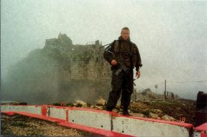 """איציק רונן כמ""""פ ג' בגדוד 82 במהלך פעילות מבצעית בלבנון - במוצב הבופור"""
