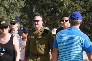 """קצין השריון הראשי, תא""""ל שמואל אולנסקי, בכבודו ובעצמו בצעדה"""