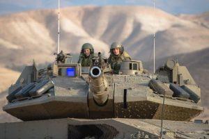 צוות טנק על מרכבה 4מ