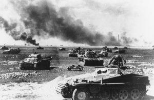 """שריון גרמני במיתקפה במהלך מבצע """"ברברוסה"""""""