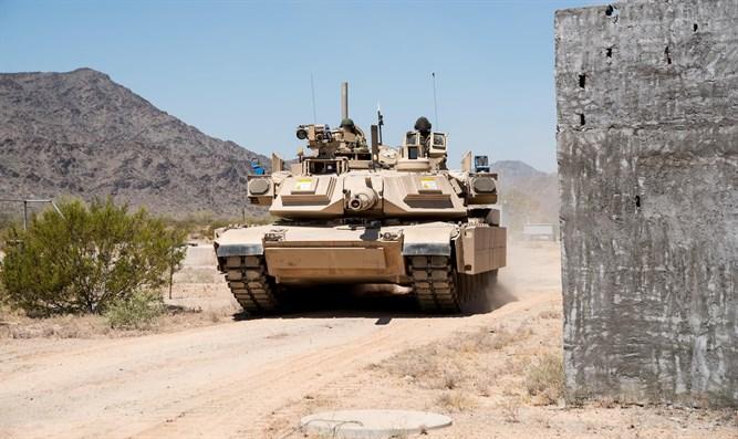 """טנק אברמס עם מערכת """"מעיל רוח"""""""