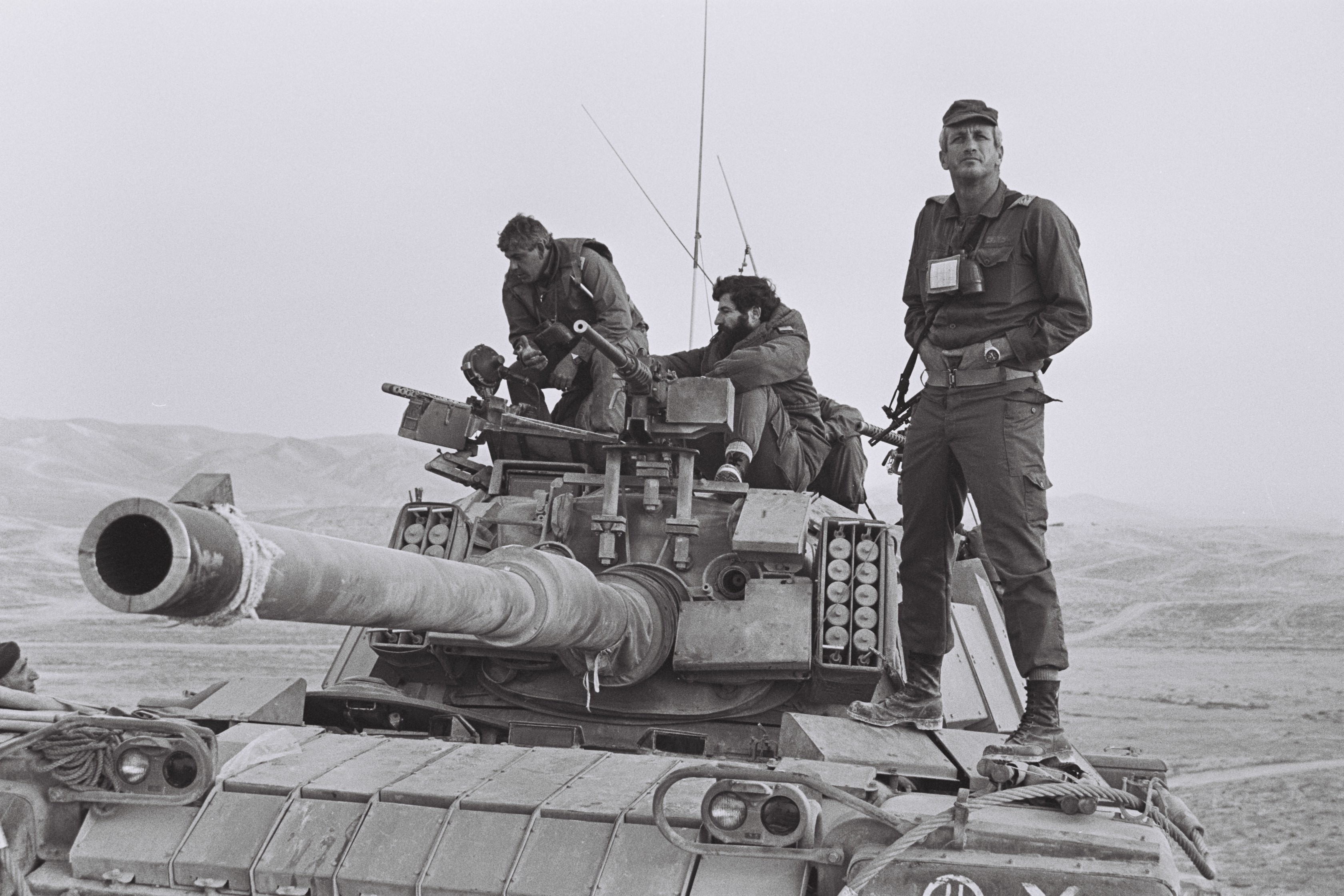 """דורון רובין ועמרם מצנע ע""""ג טנק מגח 6מ בחטיבה 500"""