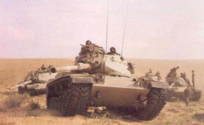 טנק מגחM60A1מסדרת צ-817 בימים שבהם חי, לחם ובעט
