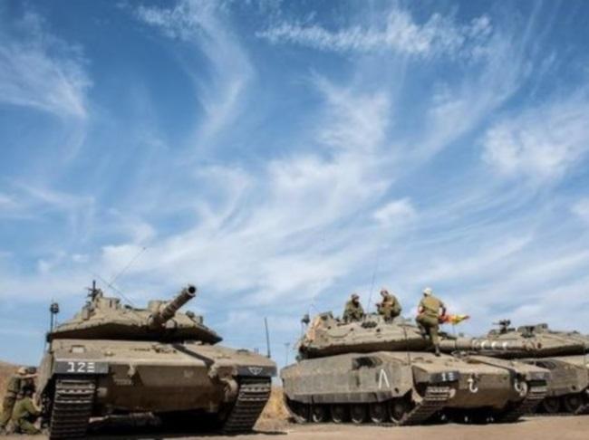 """נכנס לחטיבה 7, מרכבה סימן 4.צילום: דובר צה""""ל"""