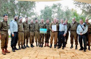 מצטייני גדוד 9115 ביחד עם מפקד אלוף פיקוד הצפון אמיר ברעם