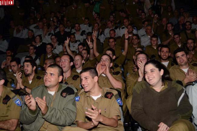חיילי חטיבה 7 בעצרת שסיכמה תקופת אימונים מאתגרת