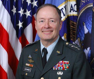 הגנרל קייט אלכסנדר, מפקד פיקוד הלוחמה ברשת