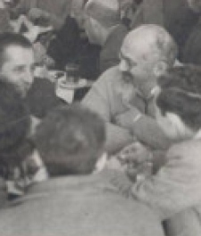 נתן אלתרמן, יצחק שדה ונתן שחם בבית קפה. צילום: אוסףקיפ,אוניברס