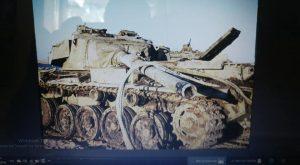שני הטנקים לאחר חילוצם מקרקעית התעלה