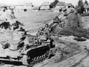 טנקים גרמניים מסוג פנצר 4 במיבצע ברברוסה