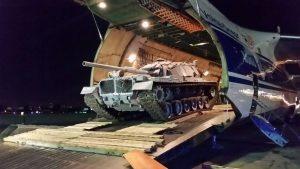 """צ-817581 יורד בנסיעה מהמטוס הרוסי לאחר הנחיתה בנתב""""ג."""