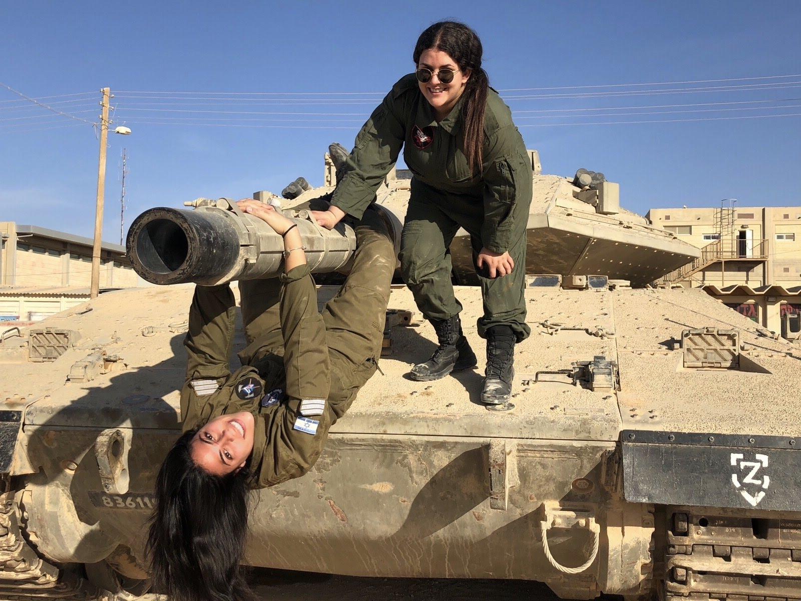 נועם כהן וחברה מדריכת שריון, בשיזפון