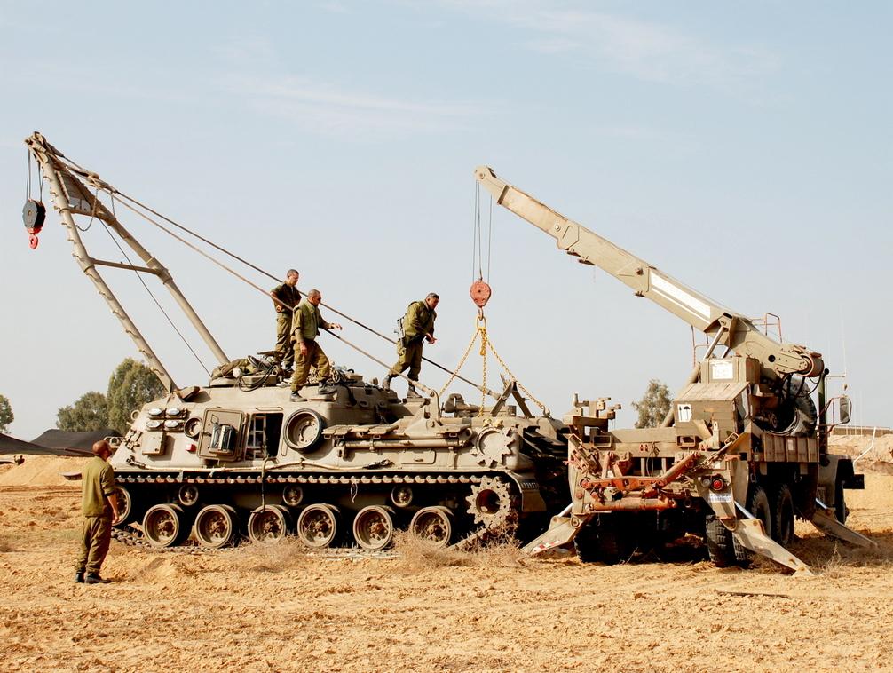 טנק חילוץ מסוג M88A1 במהלך מבצע עמוד ענן. צילום: מיכאל מס