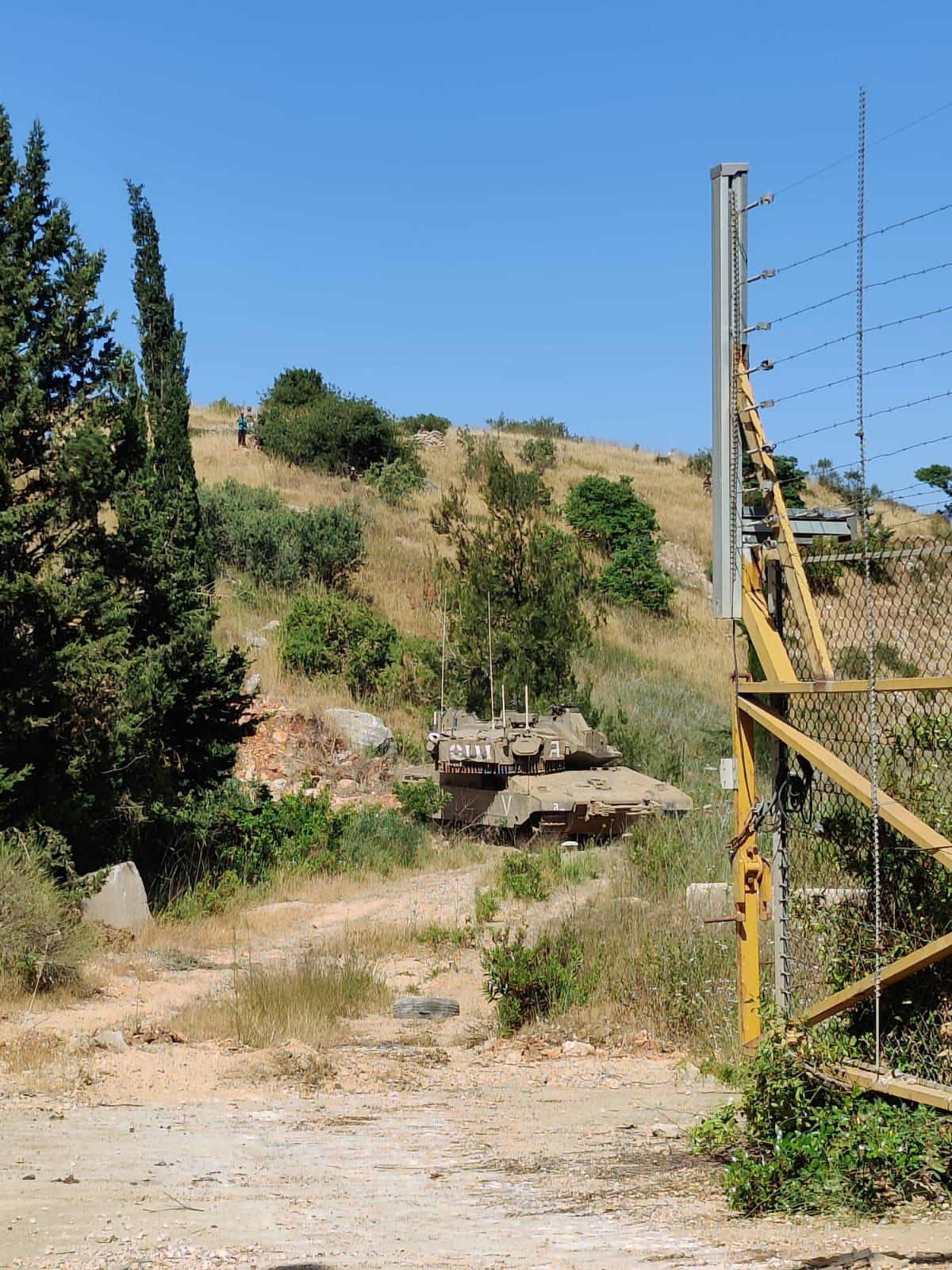"""טנק של פלוגת """"ונוס"""" במהלך הפרות הסדר בגבול עם לבנון"""